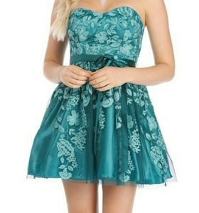 Formal, Prom, Homecoming Strapless Dress